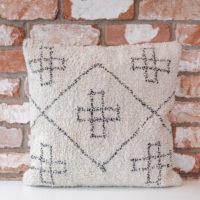Moyseys-cross-cushion
