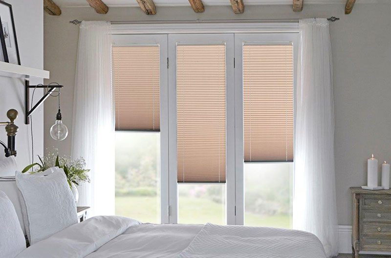 fitted-bedroom-blinds